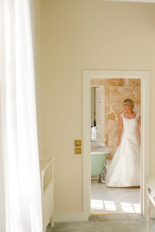 bride getting ready at hedsor