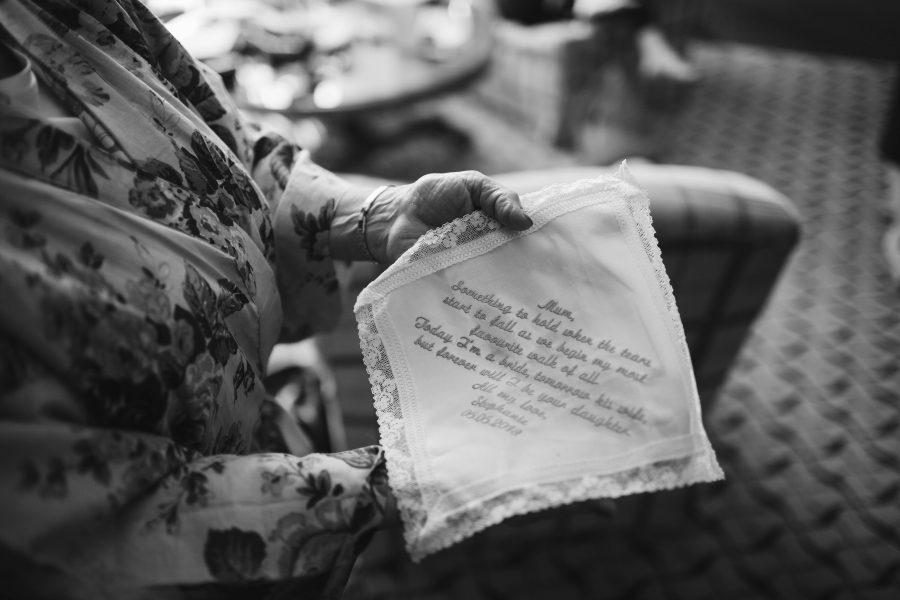 woven note on wedding day