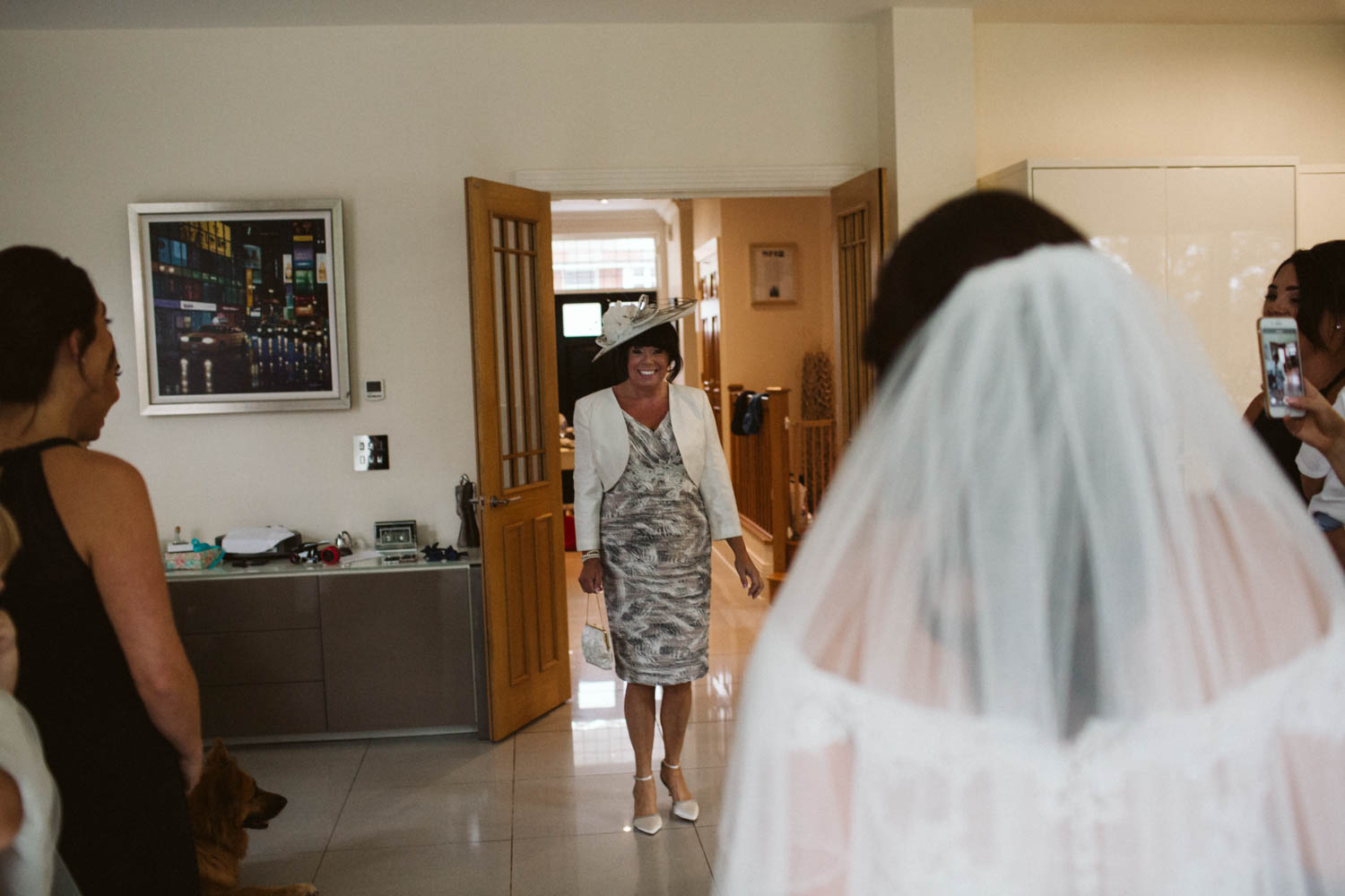 mum seeing the bride crying