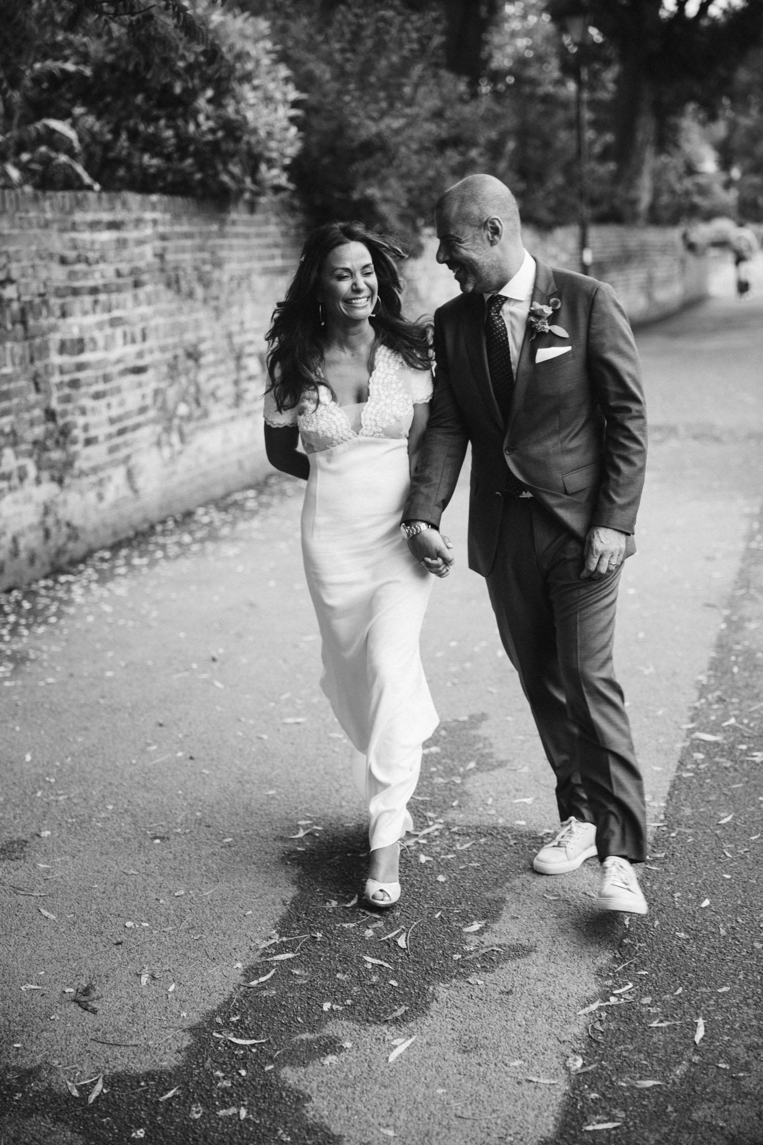 Bride and Groom a Bingham Riverside